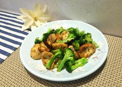 豆腐肉末香肠炒西兰花