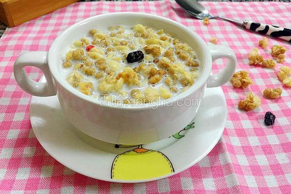 牛奶水果谷物麦片