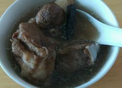 灵芝筒骨汤
