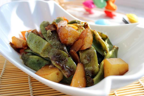 土豆炖豆角