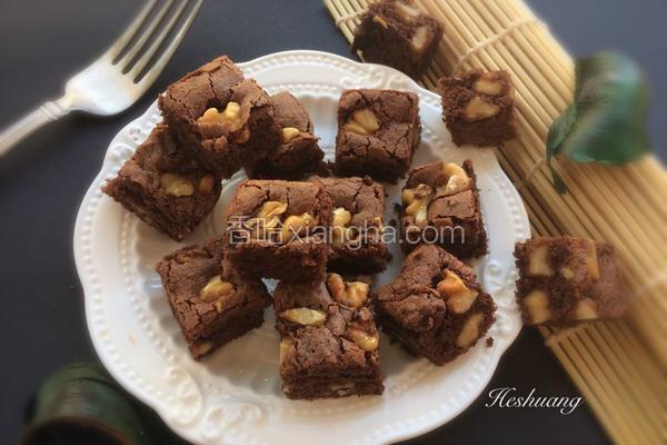 松软的巧克力布郎尼蛋糕