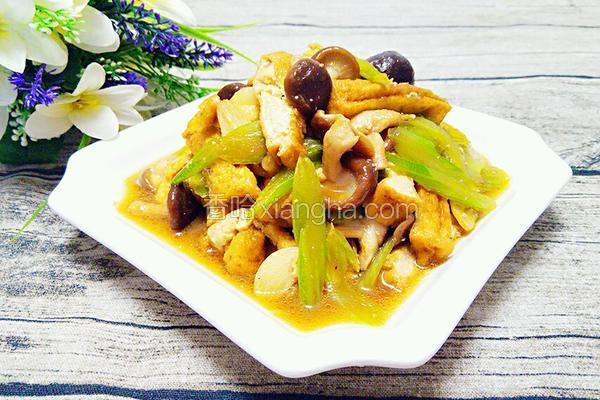 香菇西芹炒油豆腐