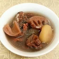 莲藕马蹄排骨汤