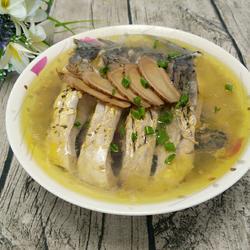 野生鲤鱼炖茶油