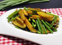 蒜苔土豆条