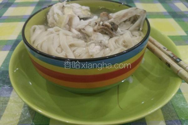砂锅煲桂鱼面汤