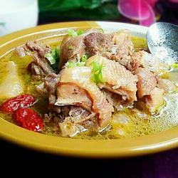 沙罐煨土鸡汤