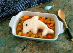 咖喱鸡肉小海豚饭团