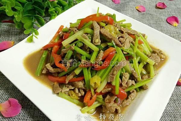 芹菜泡椒炒牛肉