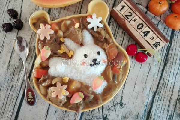 卡通兔咖喱牛肉饭