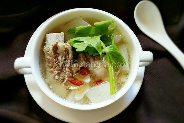 排骨萝卜百合汤