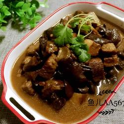 猪肉炖松伞蘑