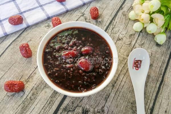 红枣红糖黑米粥