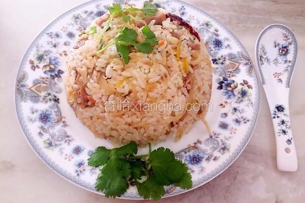 酸菜肉丝炒米饭