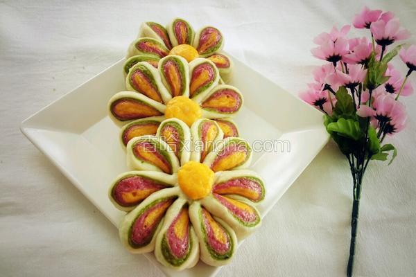五彩梅花饼