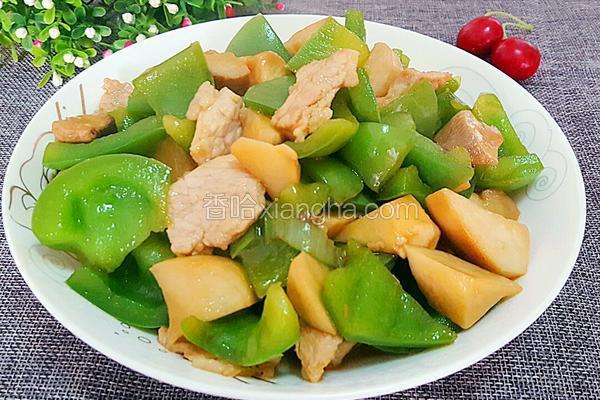 杏鲍菇炒彩椒