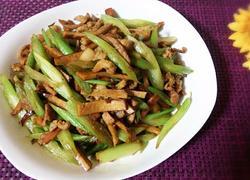 肉丝熏干芹菜