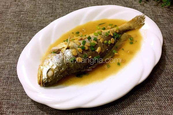 豆酱焖黄花鱼