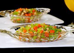 凉拌芹菜花生米胡萝卜
