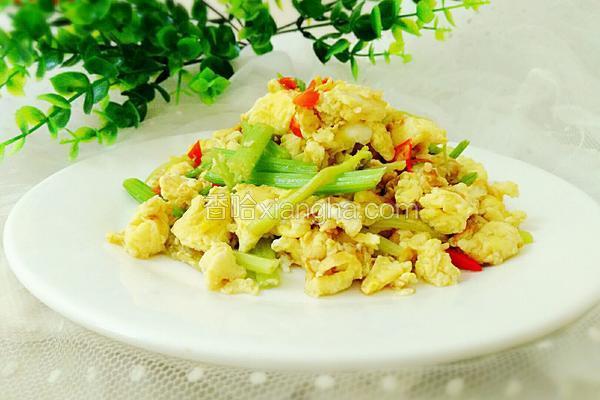 芹菜尖椒炒蛋