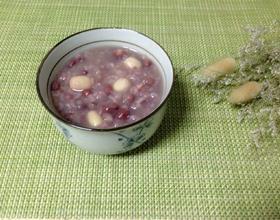 红豆薏仁莲子粥