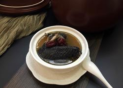 红枣桂圆枸杞乌鸡汤