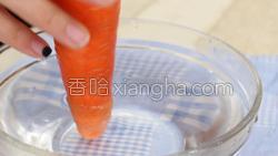 香菇炒肉的做法图解3