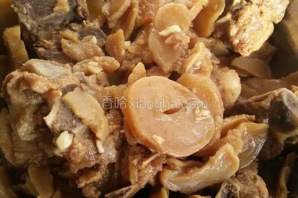 猪排骨炖土豆干