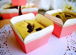 抹茶葡萄干纸杯蛋糕