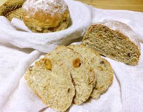 全麦坚果面包