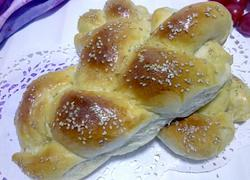 奶香椰茸辫子面包