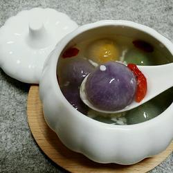 酒酿彩色汤圆