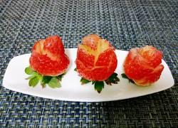 雨中草莓玫瑰