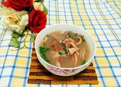 鱿鱼猪肚汤