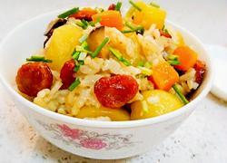 土豆香菇香肠焖饭
