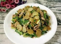 青蒜肉丝炒绿豆饼