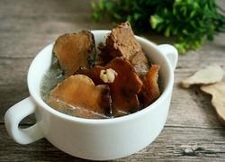 土茯苓煲猪骨汤