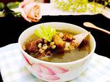 筒骨土伏苓去湿汤的做法[图]
