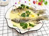 鲫鱼炖蛋的做法[图]