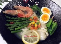 高汤鲜虾蔬菜面