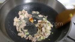 香菇炒黄瓜的做法图解10