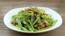 芹菜炒肉的做法图解21