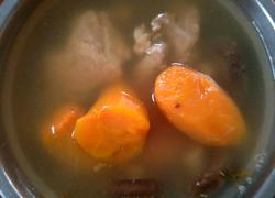 胡萝卜骨头汤