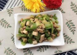 芹菜杏鲍菇炒肉丁