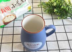 一招巧去杯子茶渍