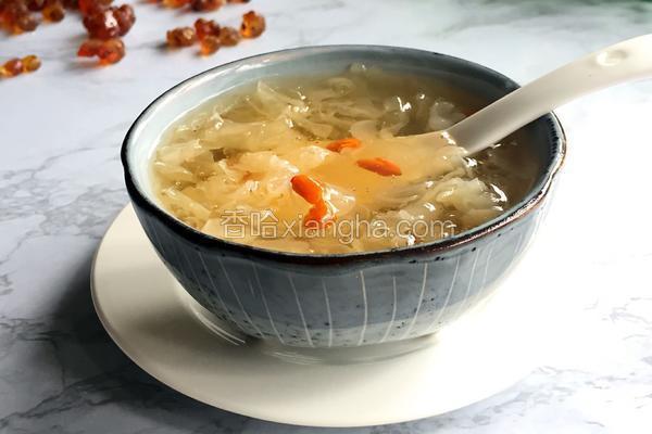 皂角米桃胶银耳汤