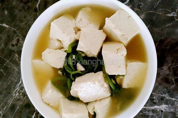 茼蒿炖豆腐