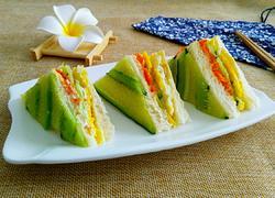 黄瓜胡罗卜煎蛋三明治