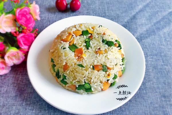 火腿肠芦笋炒饭