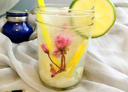 樱花荔枝气泡饮